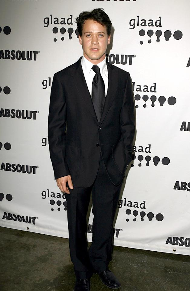 """T.R. Knight takes time out for a photo op at the 18th Annual GLAAD Media Awards. Jeff Vespa/<a href=""""http://www.wireimage.com"""" target=""""new"""">WireImage.com</a> - April 14, 2007"""