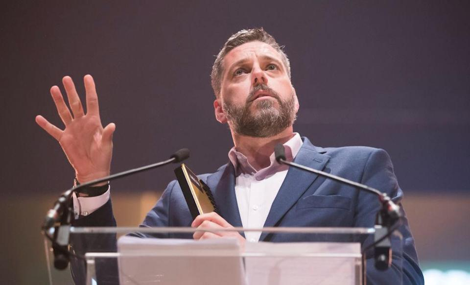 Iain Lee has been credited with helping to save a suicidal man's life after keeping him talking live on air [Photo: Getty]