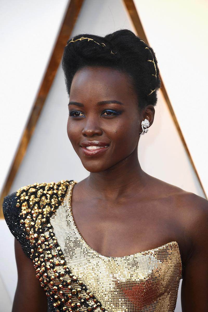 Lupita Nyongo Wore A Traditional Rwandan Hairstyle To The 2018 Oscars
