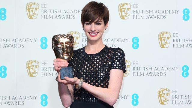 Anne Hathaway's Speech Perplexes Fans