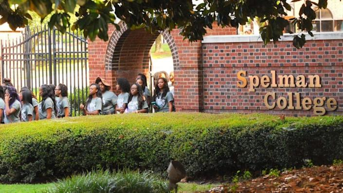 Instructors at Spelman College informed students on Thursday that they would no longer be teaching face-to-face classes because the institution failed to provide
