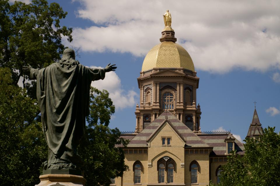 A student paper covering news from the University of Notre Dame (depicted), Saint Mary's College and Holy Cross College begged school administrators to take the coronavirus pandemic more seriously. (Photo: Getty Images)