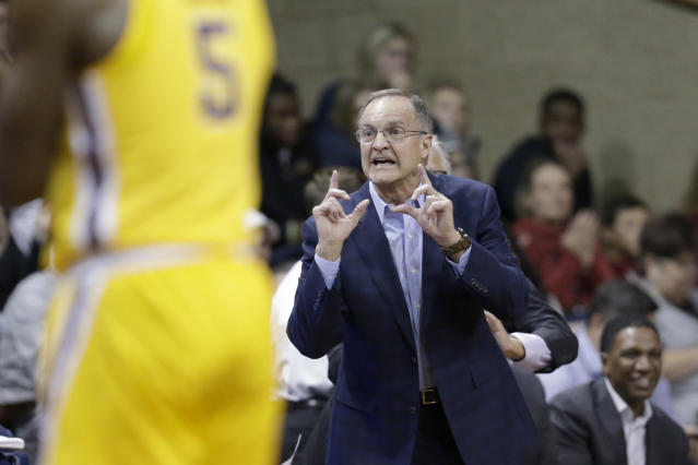 Oklahoma coach Lon Kruger calls a play during the first half of the team's NCAA college basketball game against Minnesota in Sioux Falls, S.D., Saturday, Nov. 9, 2019. (AP Photo/Nati Harnik)