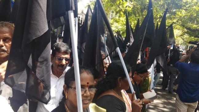 <p>Hundreds of protestors wearing black with black flags and black balloons have been raising anti-Modi slogans and have been demanding the formation of the Cauvery Management Board. </p>