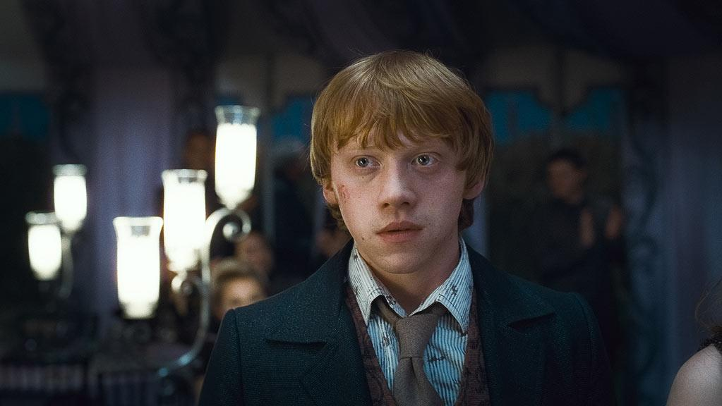 """MOVIE: <a href=""""http://movies.yahoo.com/movie/1810004780/info"""">Harry Potter and the Deathly Hallows - Part 1</a>  AGE: 22"""