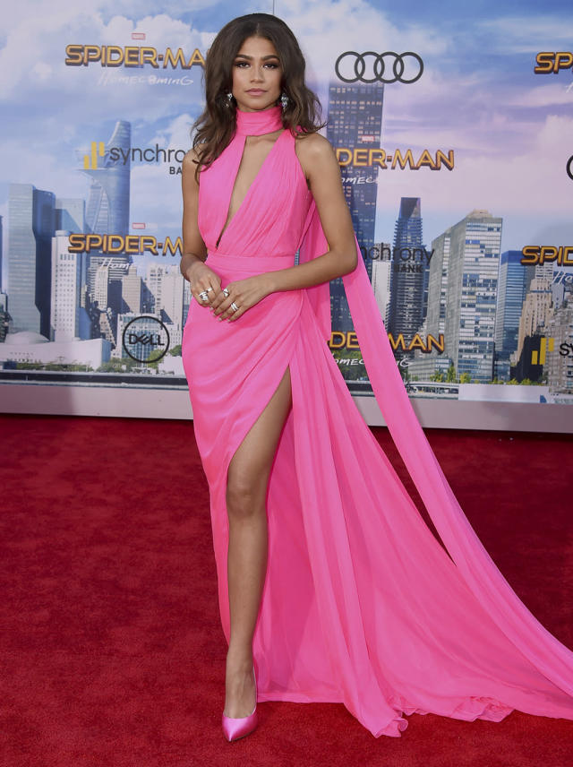 "<p>Zendaya, who plays Peter Parker schoolmate Michelle ""M.J."" Jones, arrives at <em>Homecoming</em>'s Los Angeles premiere. (Photo: Jordan Strauss/Invision/AP) </p>"
