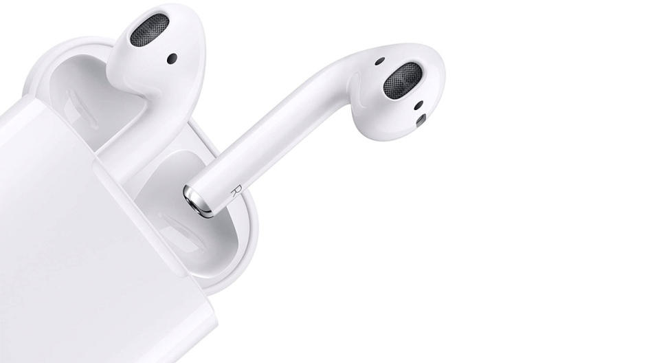 Apple AirPods with Charging Case (Wired) (Photo: Amazon)