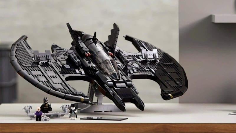Lego wins over Batman fans with 2,363-piece Lego 1989 Batwing