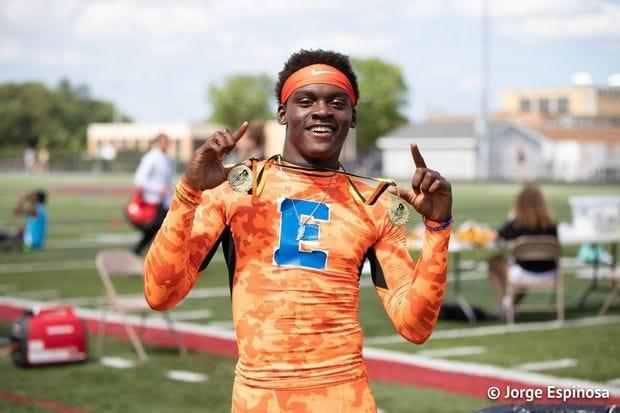 During his senior season East St. Louis (IL) Senior High School track and field standout DeVontae Ford captured the Illinois Class 2A Boys 110m Hurdles crown witha personal best time of 14.07 seconds.