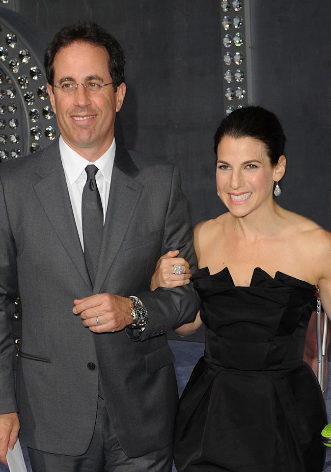 "<a href=""http://movies.yahoo.com/movie/contributor/1800082168"">Jerry Seinfeld</a> and wife Jessica at the New York City premiere of <a href=""http://movies.yahoo.com/movie/1810111276/info"">Sex and the City 2</a> - 05/24/2010"