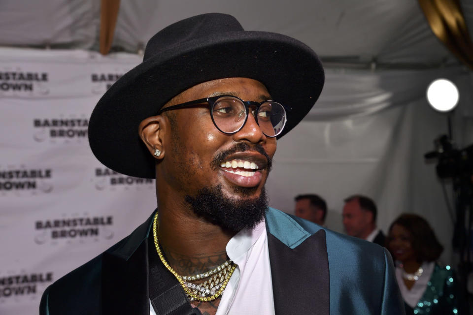 Von Miller is spreading the word about the coronavirus. (Photo: C Michael Stewart/imageSPACE/MediaPunch /IPX)