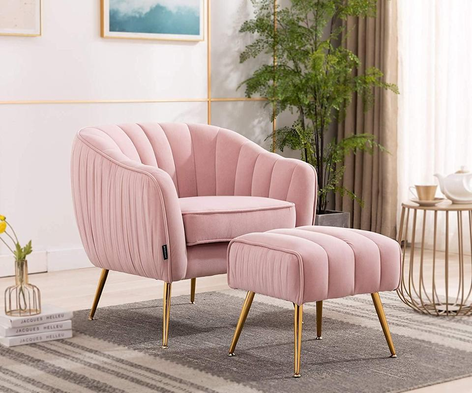 <p>Add some soft hue to your living room with this glam-looking <span>Artechworks Velvet Modern Tub Barrel Arm Chair </span> ($300). With the gold metal legs and luxe fabric, it will help create a chic and cozy atmosphere in any room.</p>