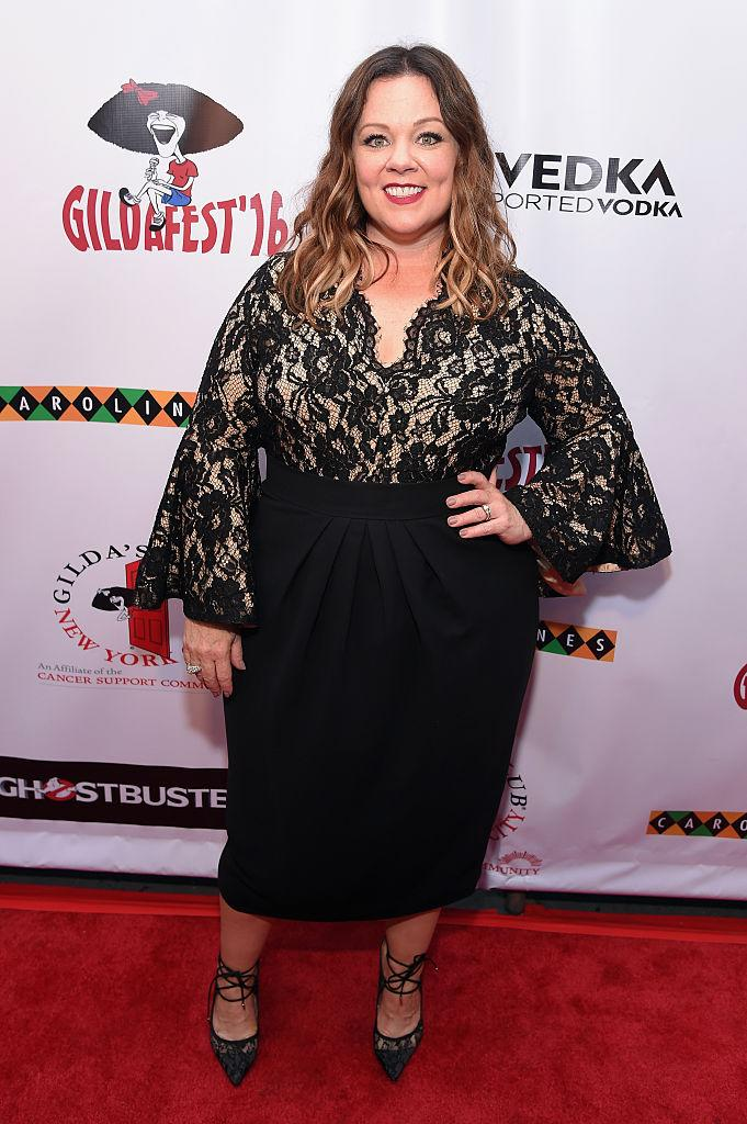 Melissa McCarthy flaunted a svelte new figure on the red carpet. (Photo: Getty)