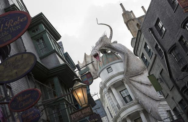 Universal Studios Orlando Lays Off Employees After Reopening on June 5