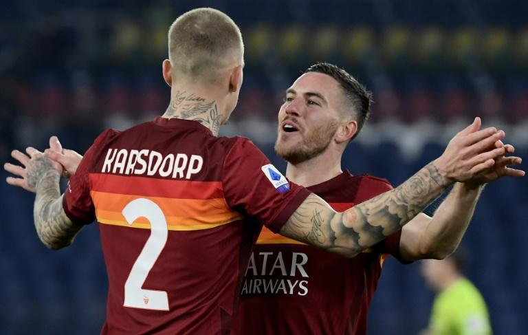 French midfielder Jordan Veretout (R) scored as Roma moved up to third in Serie A