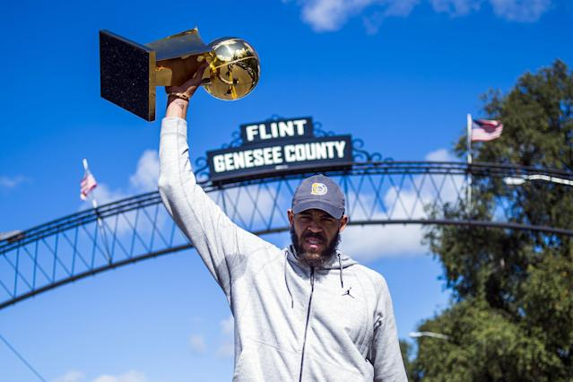 """Things have been looking up for <a class=""""link rapid-noclick-resp"""" href=""""/nba/players/4480/"""" data-ylk=""""slk:JaVale McGee"""">JaVale McGee</a> since he joined Golden State (AP)"""