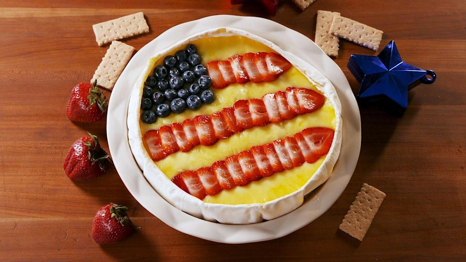 """<p>While you're waiting for the grilling to start, you need something delish to snack on, right? These July 4th appetizers and party starters will kick your summer shindig off with a bang, whether your fam and friends want skewers, pinwheels, salads, or something sweet. </p><p>Need more Fourth of July ideas? Try these <a href=""""http://www.delish.com/cooking/recipe-ideas/g2802/easy-red-white-blue-desserts/"""" rel=""""nofollow noopener"""" target=""""_blank"""" data-ylk=""""slk:July 4th desserts"""" class=""""link rapid-noclick-resp"""">July 4th desserts</a> and <a href=""""http://www.delish.com/holiday-recipes/g3422/4th-of-july-drinks/"""" rel=""""nofollow noopener"""" target=""""_blank"""" data-ylk=""""slk:drinks"""" class=""""link rapid-noclick-resp"""">drinks</a>. </p>"""