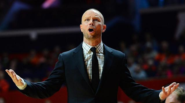 Pat Kelsey backs out of UMass job, plans to return to Winthrop