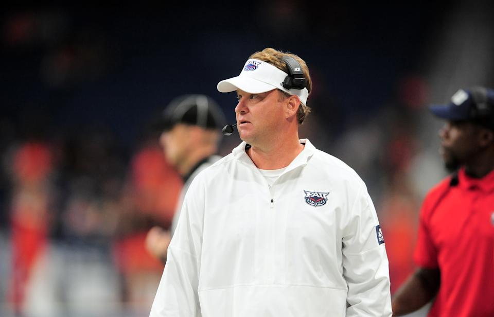 SAN ANTONIO, TX - NOVEMBER 23: Florida Atlantic University Owls head coach Lane Kiffin watches action during conference USA game against the UTSA Roadrunners on November 23, 2019 at the Alamodome in San Antonio, Texas. (Photo by John Rivera/Icon Sportswire via Getty Images)