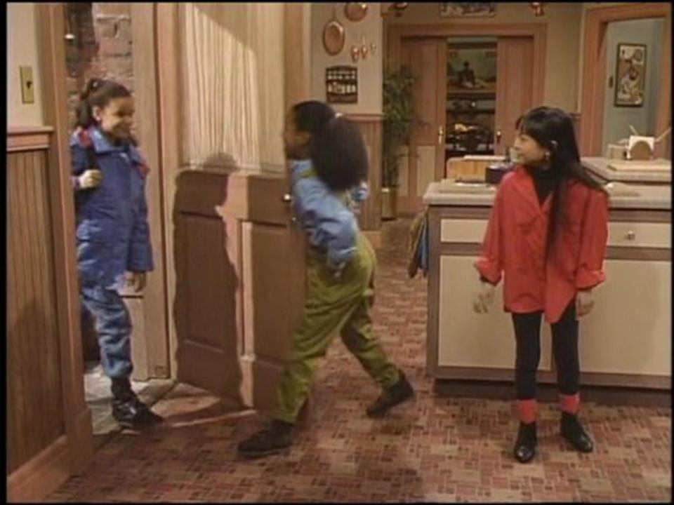 <span>Nicolle Rochelle (left) on <em>The Cosby Show</em>. </span>(Photo: NBC)