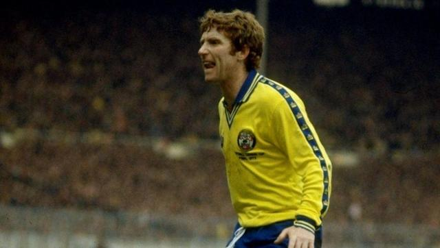 <p><strong>Number of games: 1045</strong></p> <br><p>The late Alan Ball was part of England's historic World Cup winning team in 1966, with the final being just one of his 1045 career appearances. </p> <br><p>Lengthy spells with Everton, Arsenal and Southampton were complimented by obscure moves to Greek side Hellenic, Philadelphia Fury and Floreat Athena in Australia to help the former midfielder reach the landmark.</p>