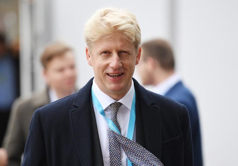 Jo Johnson quits as minister over Brexit