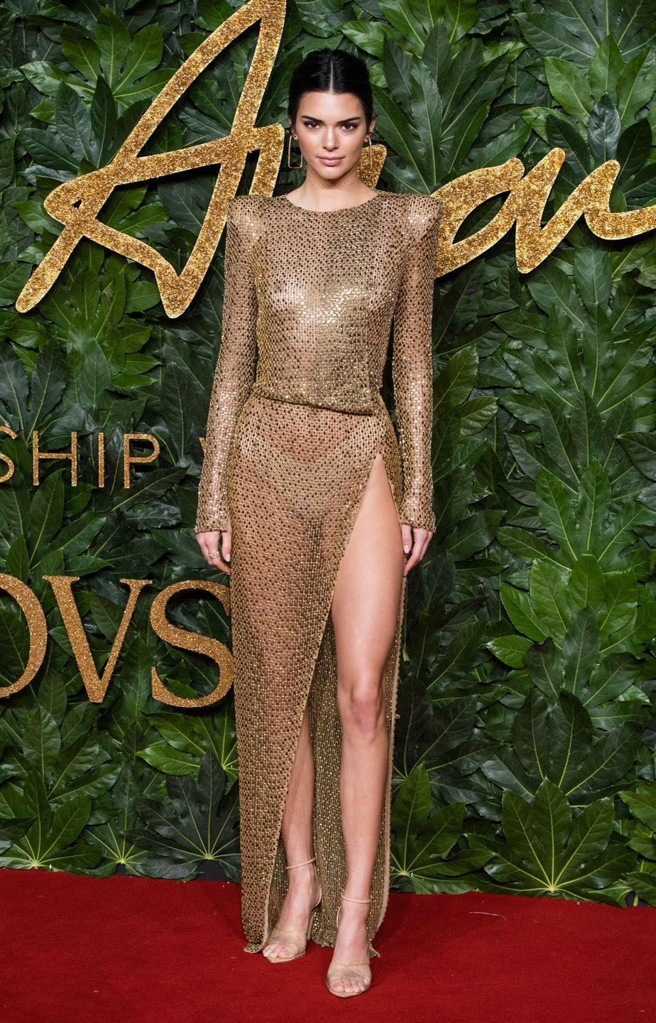 <p>I would go nips out dripped in gold on the red carpet too, if I were Kendall Jenner. </p>