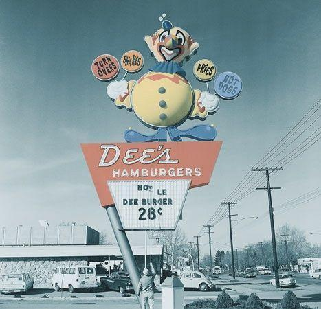 <p>College students and late-night drunk eats? Sounds like a solid business plan. And it was for a while. Dee's Drive-In catered to University of Utah students back in the 1920s and then expanded. But in the 1970s, they ended up selling all of their locations to Hardee's. End of story.</p>