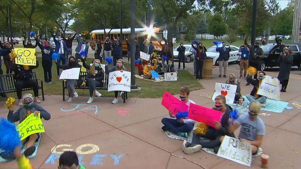 PHOTO: Residents cheer as 'Good Morning America,' revealed in South Bend, Indiana, Sept. 30, 2020, that over 15,000 student households across the country will have five years of free internet connection in their homes. (ABC News)