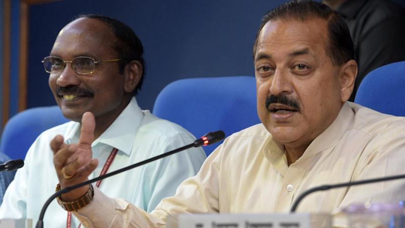 ISRO Chairman Dr K Sivan (L) and Minister of State in the Department of Atomic Energy and Minister of State in the Department of Space Dr Jitendra Singh brief media on Chandrayaan 2 on 13 June 2019 in New Delhi. Image: Getty