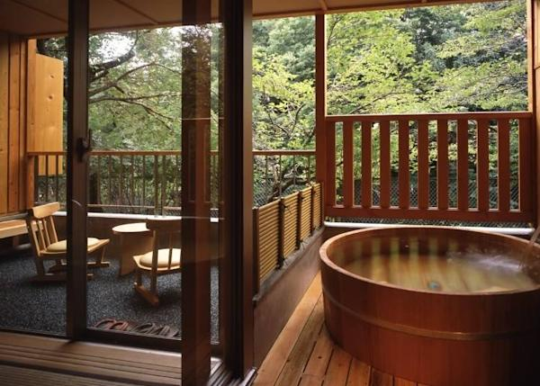 Open-air baths in guest rooms are made from either wood, rock, or ceramic materials. What yours will turn out to be is a surprise for you to look forward to on check-in day!!