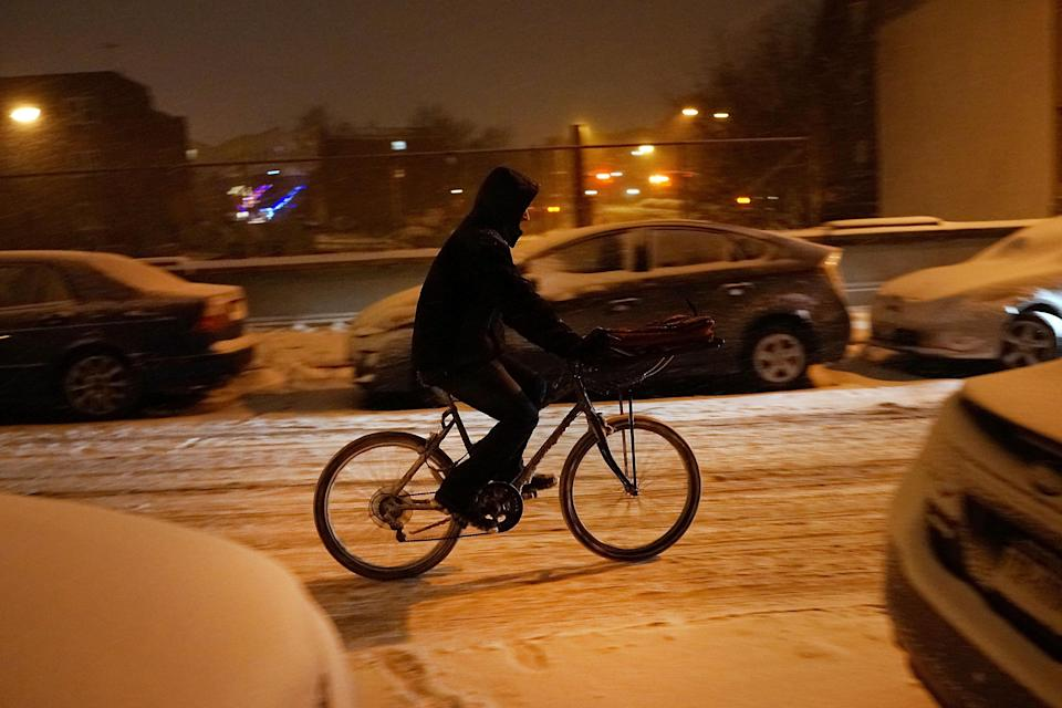 Is it bad to order delivery in bad weather? Here's how not to be a jerk