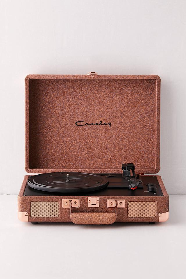 "<p>Not only can the <a href=""https://www.popsugar.com/buy/Crosley-UO-Exclusive-Glitter-Cruiser-Record-Player-526390?p_name=Crosley%20UO%20Exclusive%20Glitter%20Cruiser%20Record%20Player&retailer=urbanoutfitters.com&pid=526390&price=99&evar1=tres%3Auk&evar9=45263084&evar98=https%3A%2F%2Fwww.popsugar.com%2Flove%2Fphoto-gallery%2F45263084%2Fimage%2F46971948%2FCrosley-UO-Exclusive-Glitter-Cruiser-Record-Player&list1=shopping%2Cgifts%2Choliday%2Cgift%20guide%2Crelationships&prop13=api&pdata=1"" rel=""nofollow"" data-shoppable-link=""1"" target=""_blank"" class=""ga-track"" data-ga-category=""Related"" data-ga-label=""https://www.urbanoutfitters.com/shop/crosley-uo-exclusive-glitter-cruiser-record-player?category=SEARCHRESULTS&amp;color=028&amp;quantity=1&amp;size=ONE%20SIZE&amp;type=REGULAR"" data-ga-action=""In-Line Links"">Crosley UO Exclusive Glitter Cruiser Record Player</a> ($99) play records, but it also connects with Bluetooth.</p>"