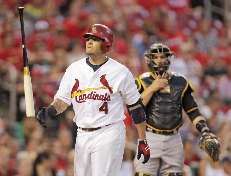 Cardinals C Molina leaves game with sprained thumb