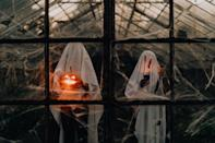<p>Boo! Your friends will freak the freak out looking at this scary backdrop.</p>
