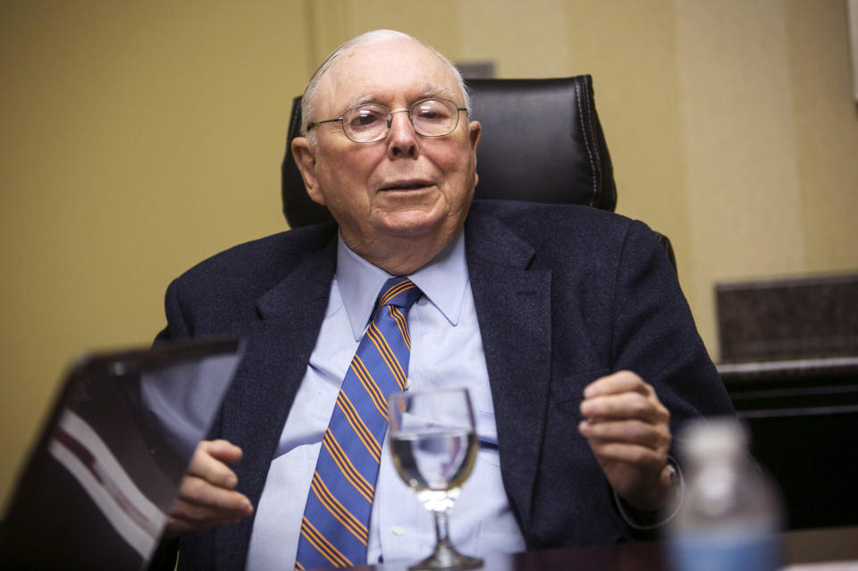 Vice-Chairman of Berkshire Hathaway Corporation Charlie Munger speaks to Reuters during an interview in Omaha, Nebraska May 3, 2013.  REUTERS/Lane Hickenbottom   (UNITED STATES - Tags: BUSINESS PROFILE)