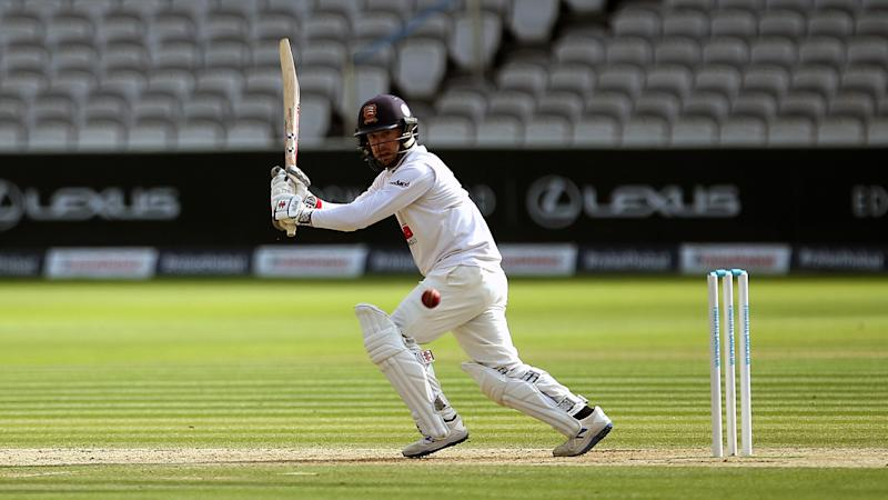 Essex have the edge in Bob Willis Trophy final clash against Somerset
