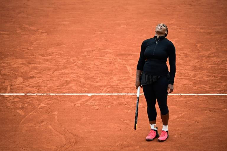 Injured Serena withdraws from French Open as Nadal, Halep cruise