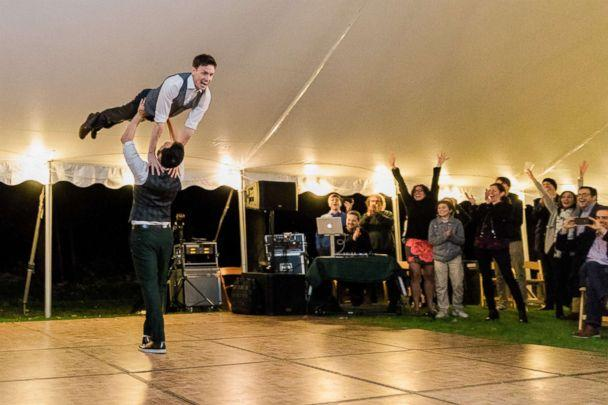 PHOTO: Noah Aberlin and PJ Simmons nailed the 'Dirty Dancing' lift at their Oct. 7, 2018, wedding in Coxsackie, N.Y. (Courtesy Holtz Photography)