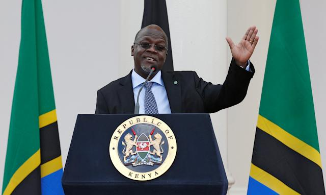 President John Magufuli of Tanzania addresses a news conference on a visit to Nairobi, Kenya, in 2016. (Photo: Thomas Mukoya/Reuters)
