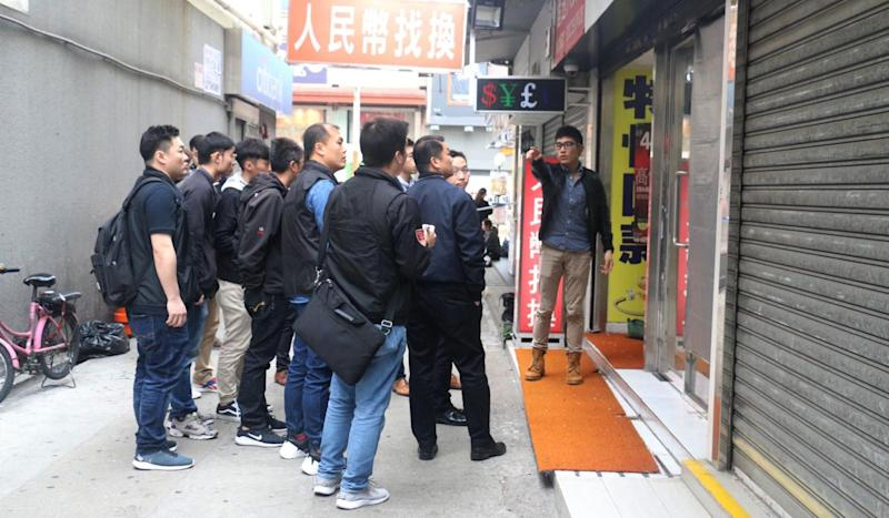 Manhunt on for three burglars who stole HK$5 million in valuables from Hong Kong jewellery store