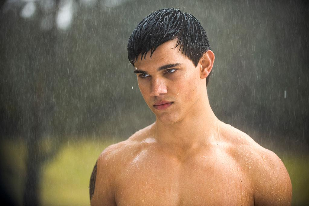 "Taylor Lautner, <a href=""http://movies.yahoo.com/movie/the-twilight-saga-new-moon/"">""The Twilight Saga""</a>: Lautner's tattooed torso launched the swoons of a thousand tweens ... and the titters of their mothers seated three rows behind. Team Jacob wins the shirtless competition."