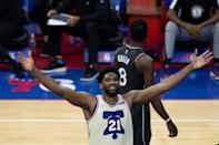 Joel Embiid des Philadelphia 76ers contre les Brooklyn Nets en NBA le 14 avril 2021 au Wells Fargo Center à Philadelphie