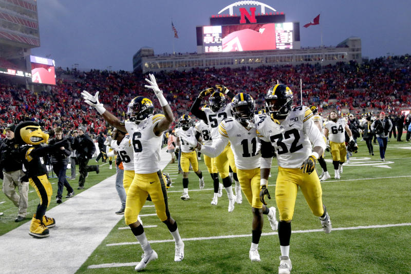 Hawkeyes head west to face Southern Cal in the Holiday Bowl