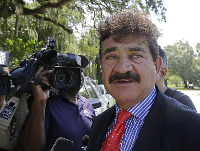 Pulse gunman Omar Mateen's father was FBI informant, government reveals