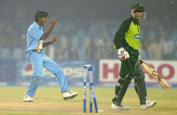 LAHORE, PAKISTAN - MARCH 24 : Lakshmipathy Balaji (L) of India celebrates after bowling Moin Khan of Pakistan to win the match during the fifth Pakistan v India one-day international match played at the Gadaffi Stadium on March 24, 2004 in Lahore, Pakistan. India won the match by 40 runs to win the series 3-2. (Photo by Scott Barbour/Getty Images)