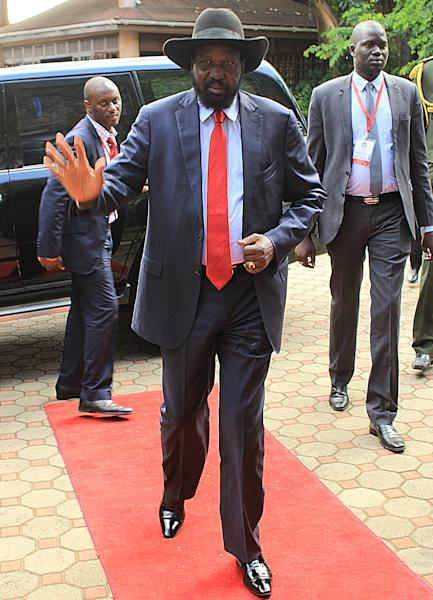 South Sudan President Salva Kiir arrives on January 21, 2015 to attend a meeting between his country's warring factions in Tanzania (AFP Photo/Emmanuel Filbert)