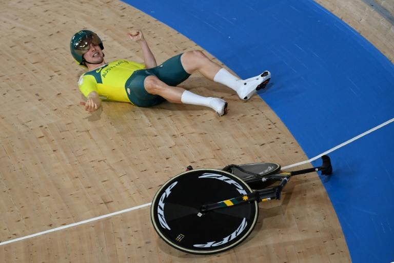Australia's Alexander Porter suffered a nasty crash during qualifying for the men's team pursuit