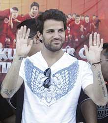 Aresenal captain Cesc Fabregas is reportedly willing to give up his rights to bonuses worth an estimated $6.1 million