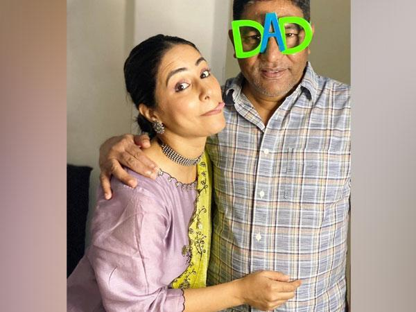 Hina Khan with her late dad (Image source: Instagram)
